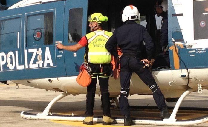 Elicotteristi e specialisti della Polizia di Stato
